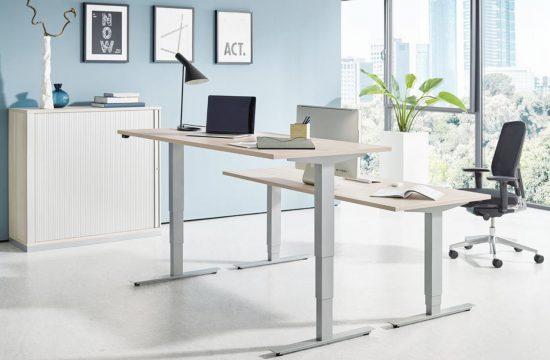 Höhenverstellbarer Schreibtisch fürs Homeoffice